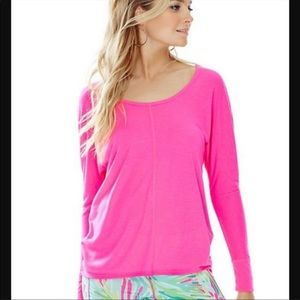 Lilly Pulitzer Luxletic Hot Pi k Long Sleeve Top